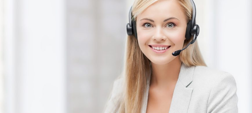 advantages of operator-assisted large conference calls